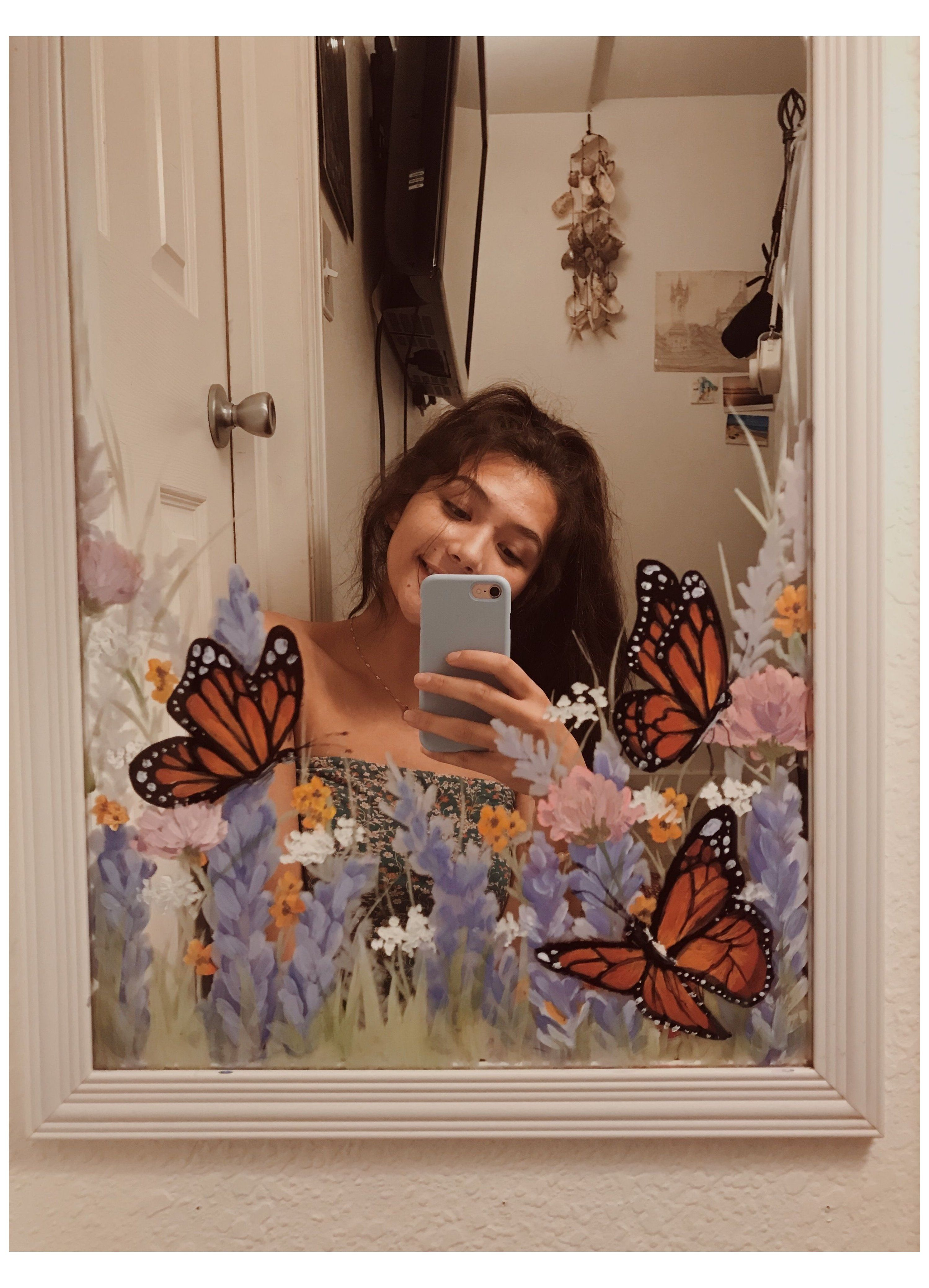 Use Acrylic Paint And Do Something Artsy To Ur Mir Mirror Painting Ideas Aesthetic Mirrorpainting Mirror Painting Painted Mirror Art Mirror Painting Ideas