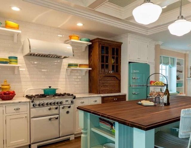 Ooo this kitchen mixes different colors of Big Chill Appliances