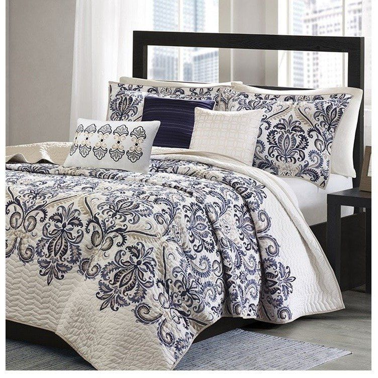 Mesa Navy And White Damask Quilt Set Moms Old Lady Apartment