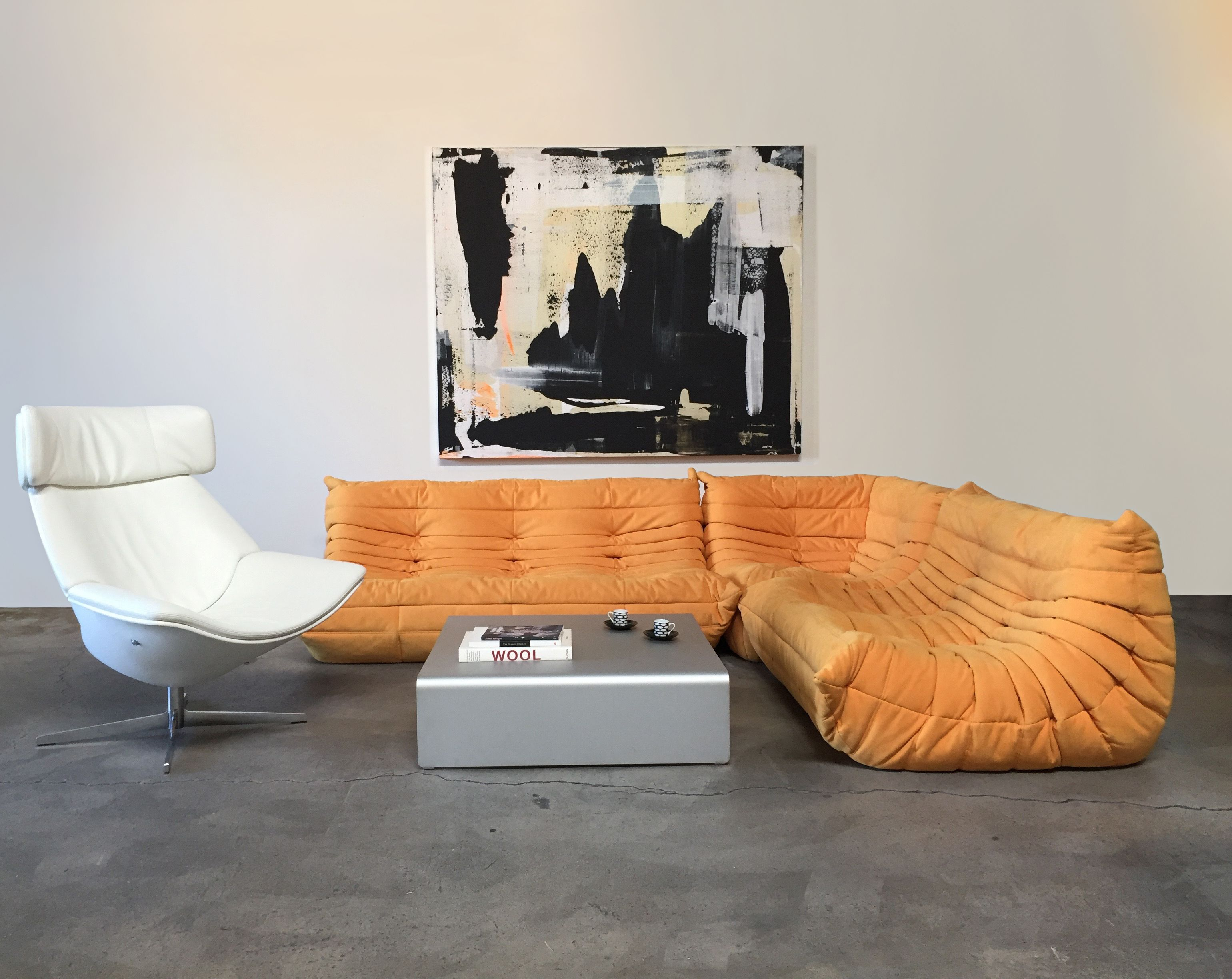 Shop Your Favorite Modern Luxury Brands At Warehouse Sale Prices This Ligne Roset Togo Sectional And Walter Knoll Egon Chair Are Some Of The Many Excitin Maison