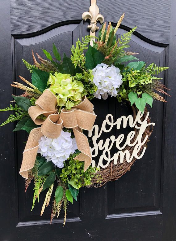 Gorgeous Elegant Year Round Door Wreath! Perfect For Greeting Your Guests  To Your Home With This One Of A Kind Door Wreath. Made Up On An 18 Grapevu2026