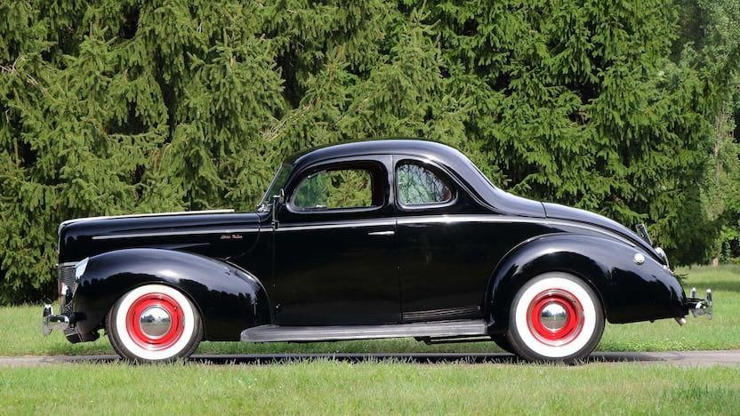 1940 Ford Deluxe Coupe Fordclassiccars 1940 Ford Ford Classic Cars Classic Cars