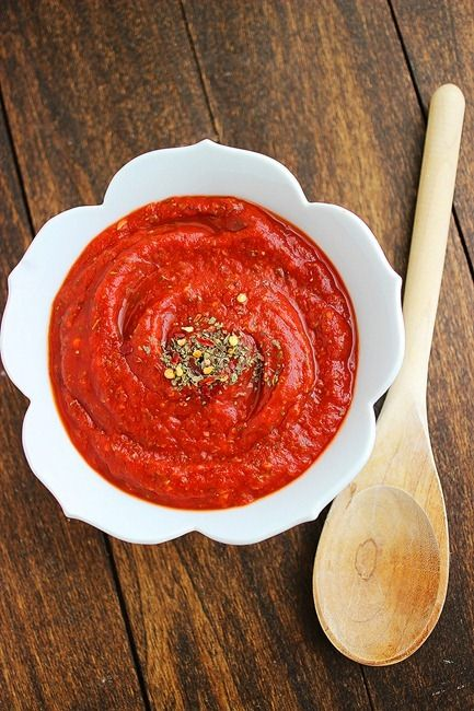5-Minute Pizza Sauce – Make your own pizza sauce with just ...