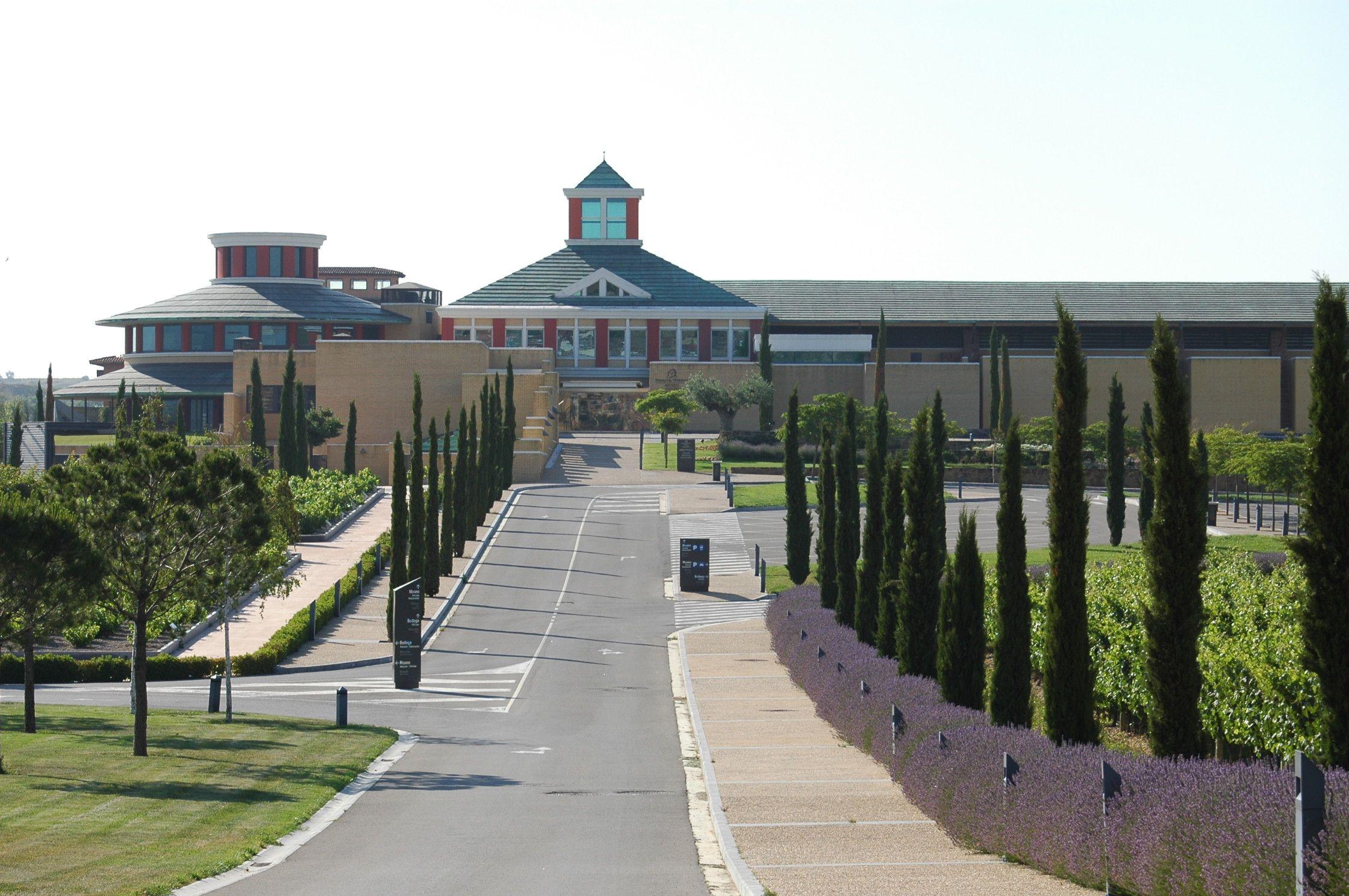 Museo del vino Dinastia Vivanco en Briones, La Rioja (España)
