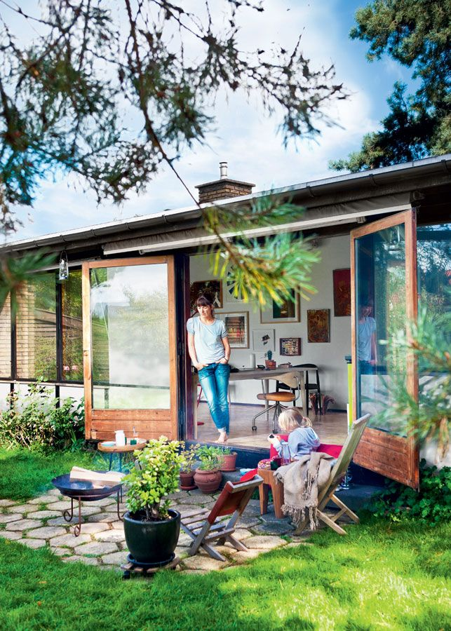 http://www.boligliv.dk/indretning/indretning/50er-villa-med-langsigtede-losninger/