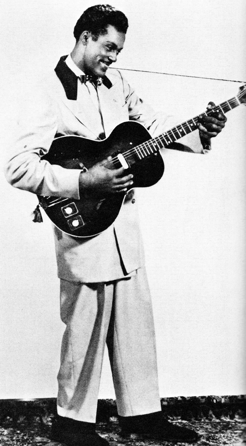 updownsmilefrown: Chuck Berry c  1950s | Music is a Religion | Guitarras
