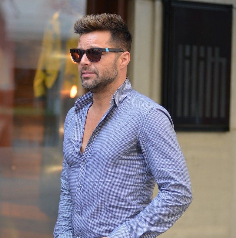 Cool 30 Awesome Ricky Martin Haircut Ideas Keeping It Chic And