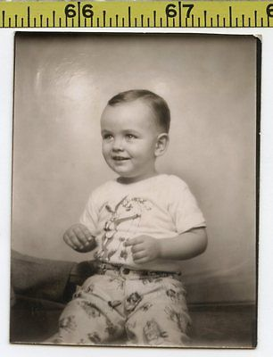 Vintage 1940's BOOTH photo / Boy in BUGS BUNNY T-Shirt - Looney Tunes Cartoons