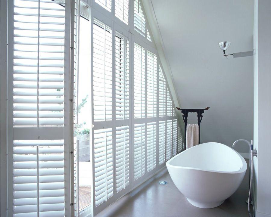 mooie badkamer met jasno shutters | jasno shutters | pinterest, Badkamer