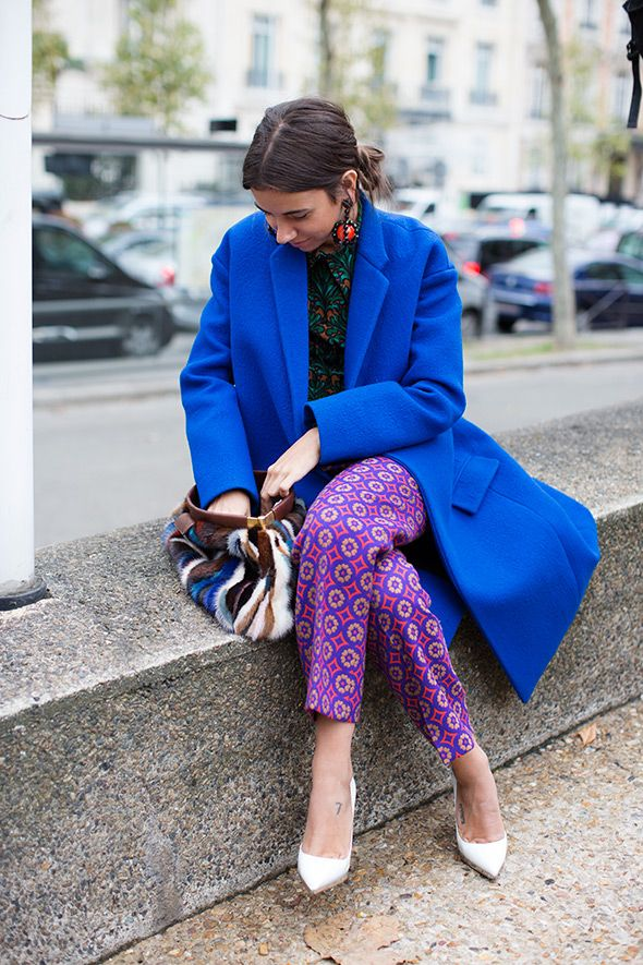 Bold combination of patterns. She pulled it off perfectly.