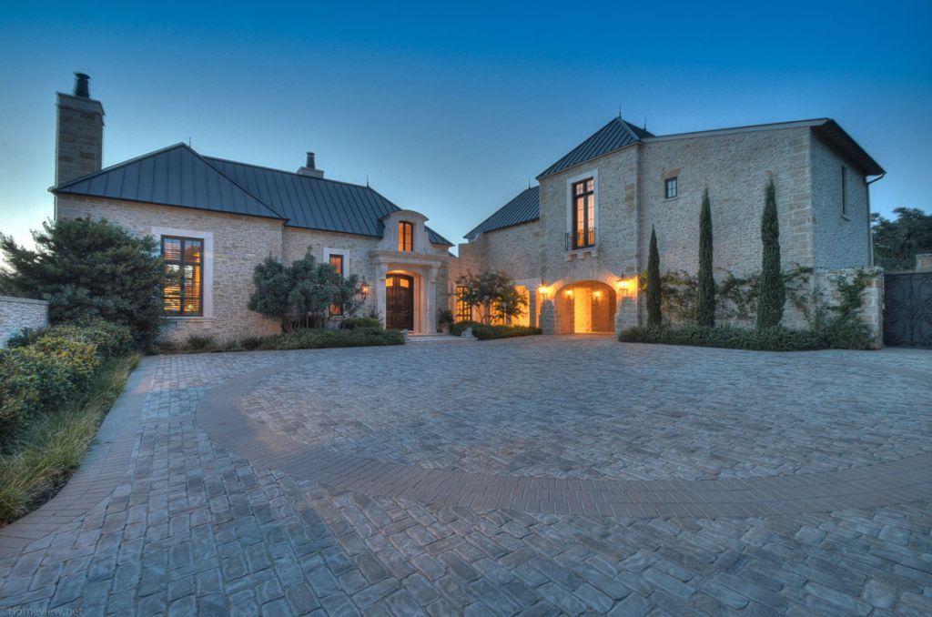 15 lavish homes for sale in the ritzy dominion