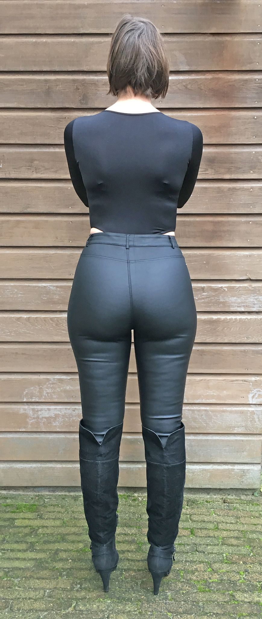 001 | crossdressers, nice asses and bodysuit