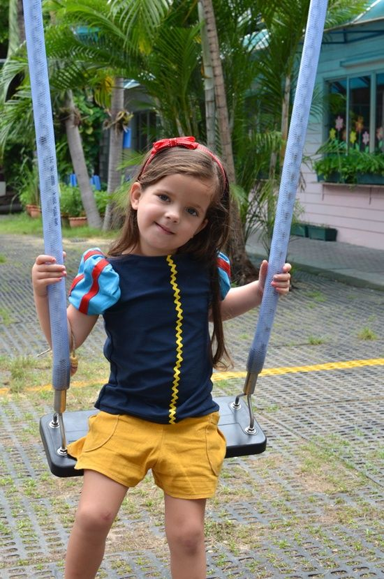 Casual princess clothes- I LOVE this idea for trips to Disneyland when it's not comfy to wear an itchy princess dress all day. @Brianne klepper @ Happy Learning Education Ideas
