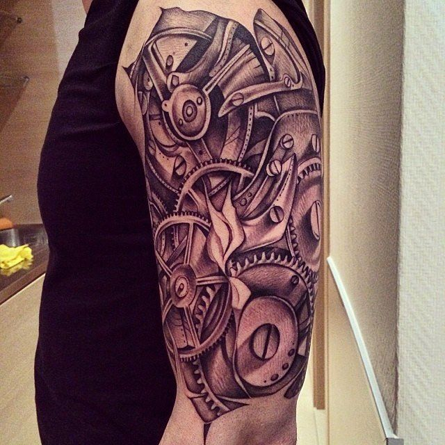 #Repost @dexastudiostattoos  #tattoo #tattoos #tatuagens #oporto #portugal #dexa #dexastudios #dexa #dexastudios #inkformer #gears #cogs #biomechanical #blackwork