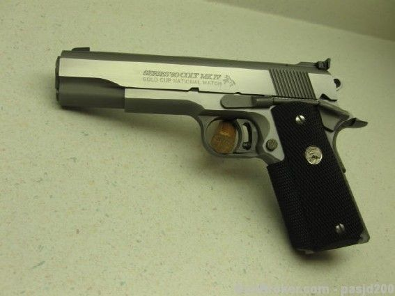 COLT 1911 GOLD CUP  MK IV  45 ACP 45ACP. throw a compensator on here and this thing would be so sweet
