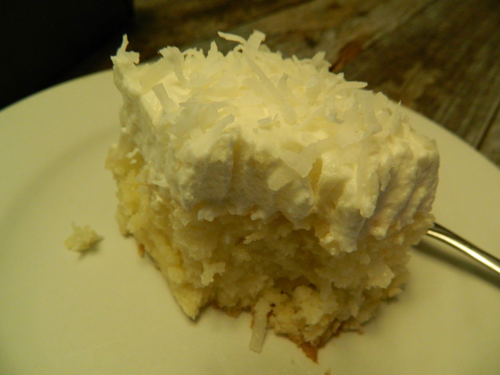 two of my total loves... together... be still my heart...COCONUT PINEAPPLE CAKE