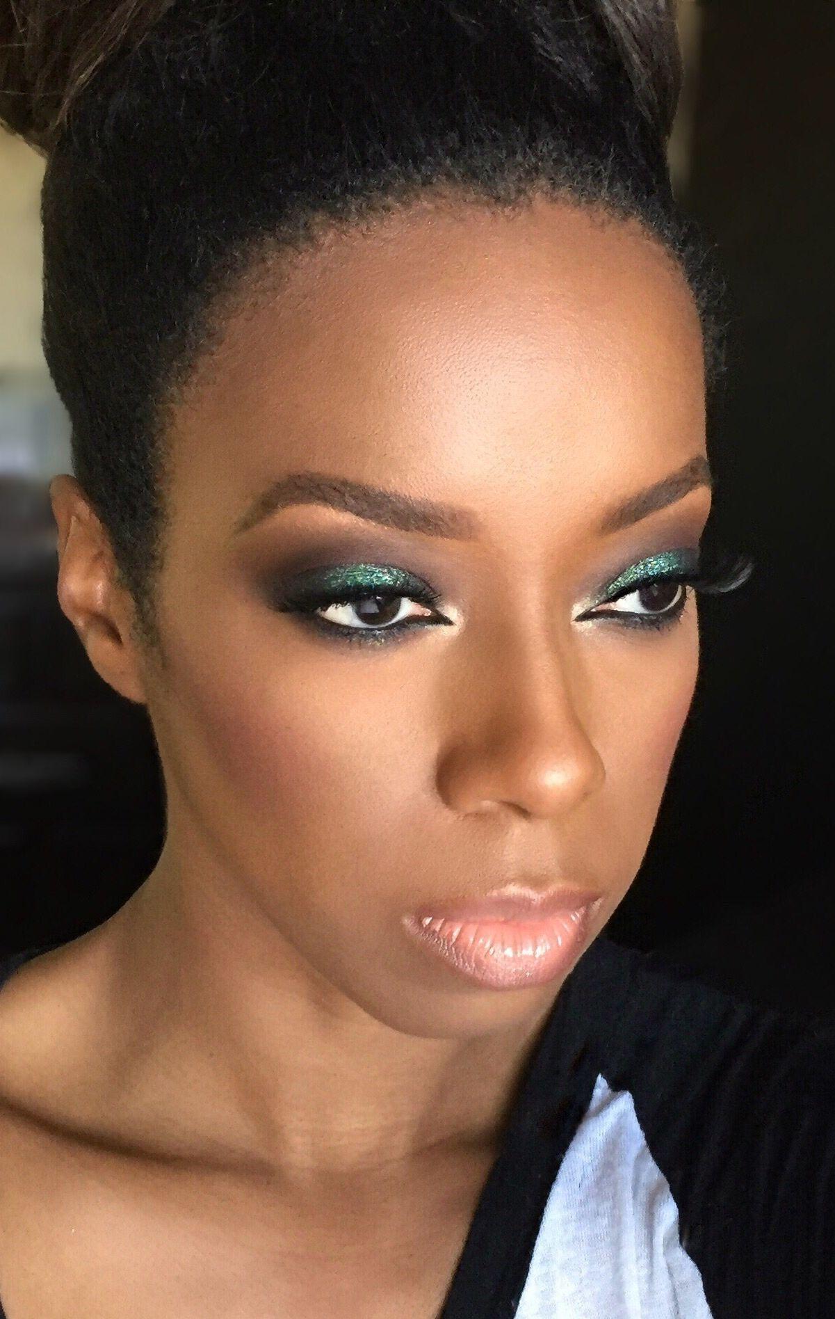 Motd 📸 Green Glitter Smokey Eye Makeup details on my