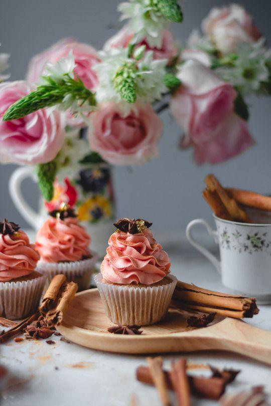 Vanilla Bean Chai Cupcakes | Sweet cupcakes, Cake ...