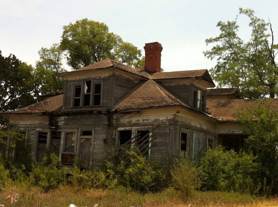 Sad,abandoned house in Fairfield, Texas. I have seen this ...