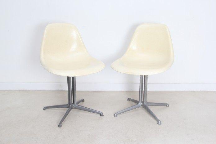 Chaise au dossier bas avec pied la fonda sign e eames for Pied chaise eames