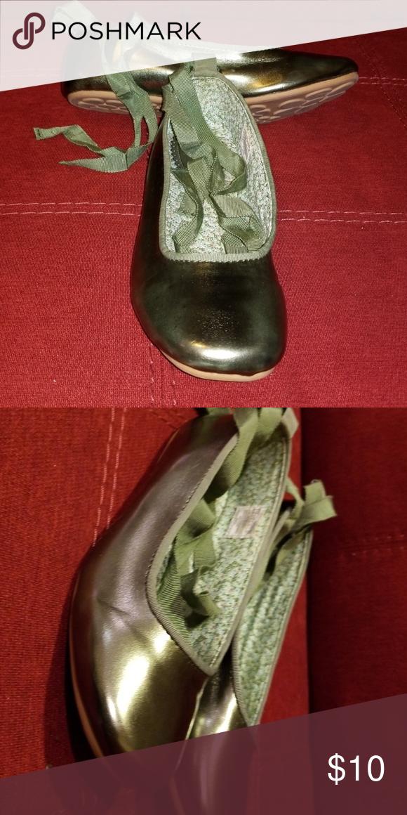 479b9aa3e8de Kids ballet flats Olive shine lace up ballet flat never worn rubber sole  GAP Shoes Dress Shoes