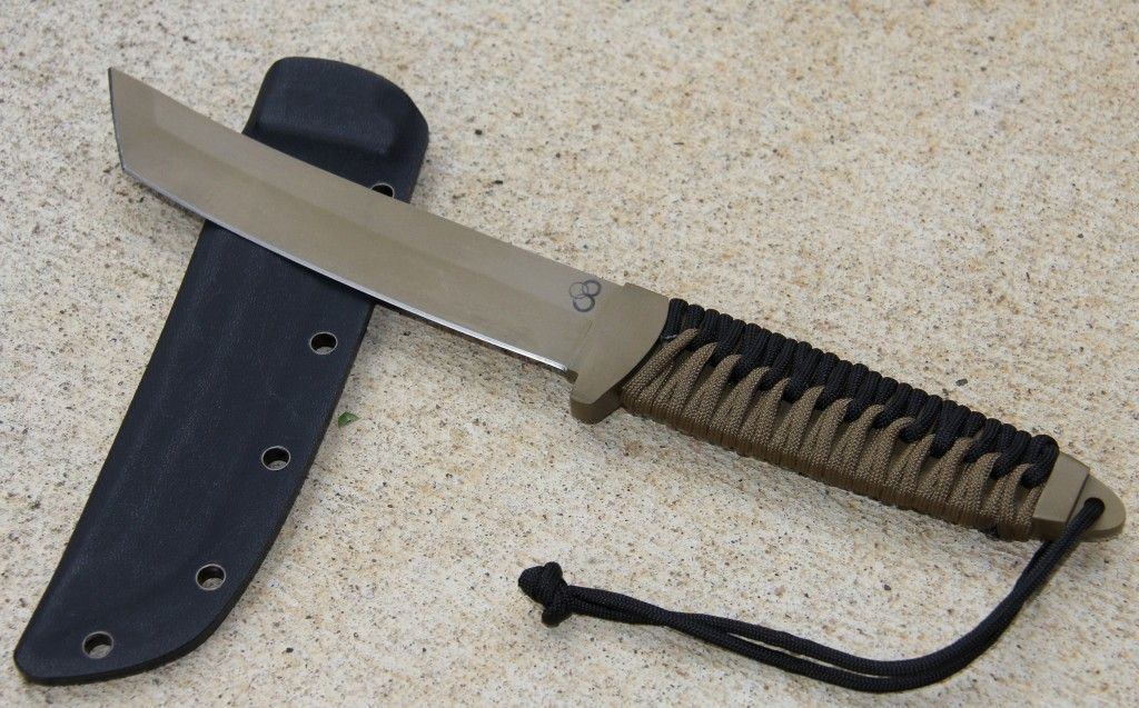Tanto Knife Satori Tanto Flat Dark Earth With A Black And Coyote Tan Paracord Handle Tanto Knife Knife Tactical Knives