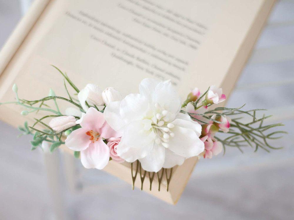 Kwiatowy Grzebien Do Wlosow Lolawhite Kwiaty Do Wlosow Place Card Holders Place Cards Card Holder
