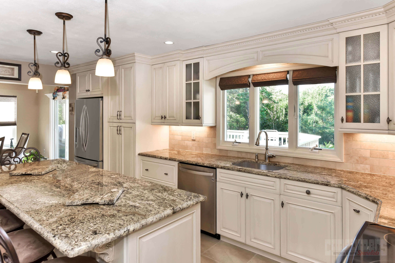 Pin By Consumers Kitchens Baths On Brush Stroke Bohemia Kitchen Design Maple Kitchen Kitchen And Bath