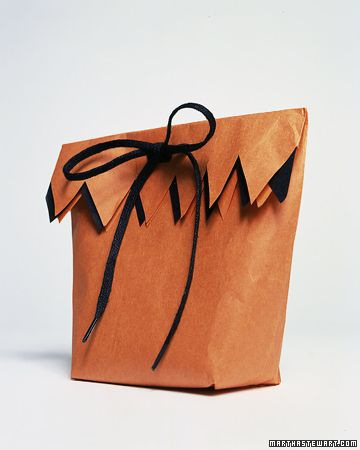 Halloween Trick-or-Treat Bags Zig zag, Bag and Wraps - decorate halloween bags