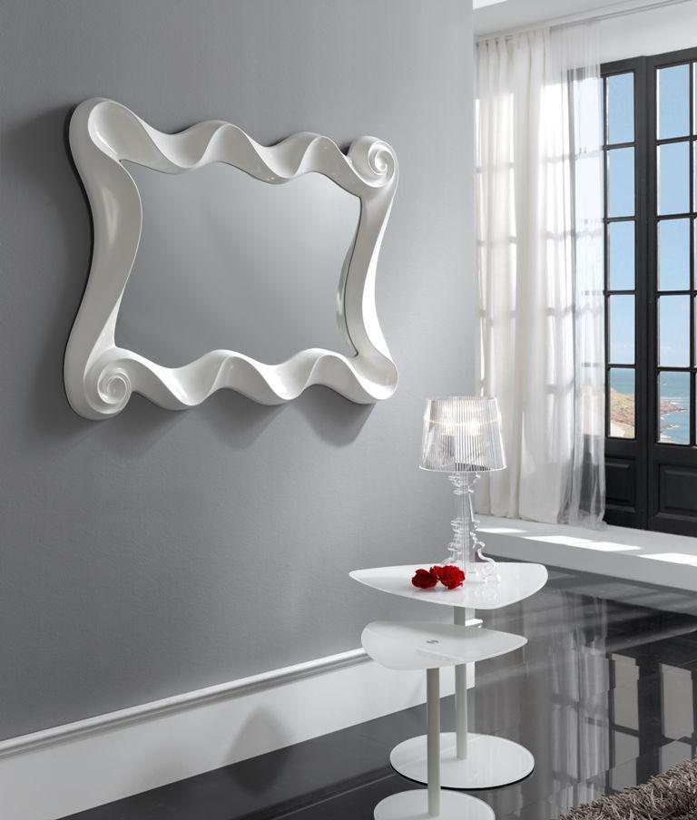 Dekorativer Wandspiegel CURVES in Weiß Dekoration Beltrán, Ihr