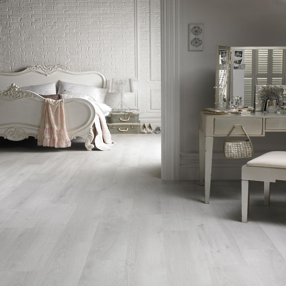 White Washed Laminate Flooring It, White And Grey Laminate Flooring