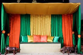 Image Result For Mehndi Stage Decoration In Pakistan Simple Mehndi