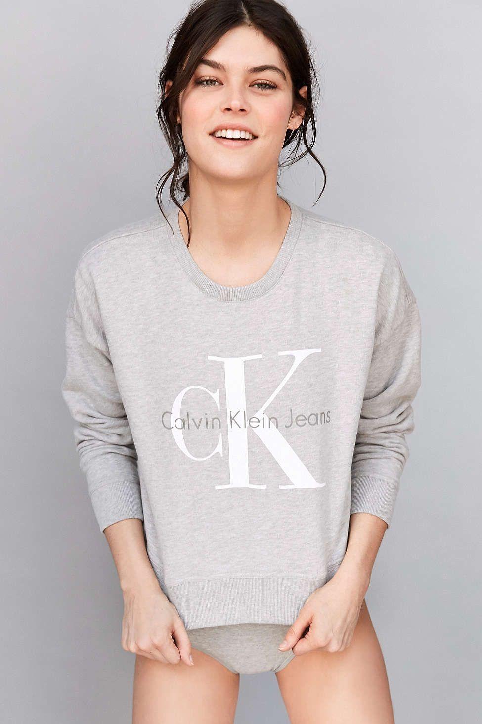 Calvin Klein X UO Cropped Hoodie Sweatshirt - Urban