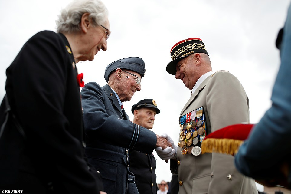 300 D Day Veterans Gather In Portsmouth 75 Years Later Navy Day Merchant Navy British Royal Marines