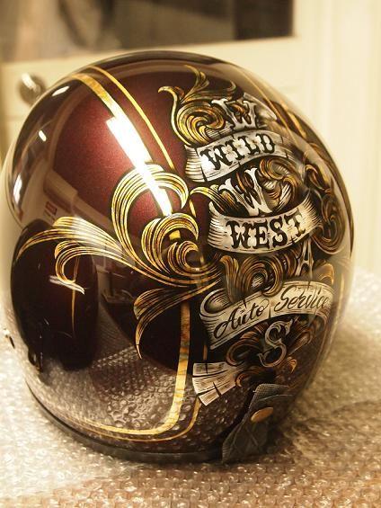 New Paint ブラウンメタリックをベースにゴールドリーフの唐草をデザインしたペイントです ヘルメットも同デザインでペイントして頂きました カスタムヘルメット カスタムペイント バイク ペイント