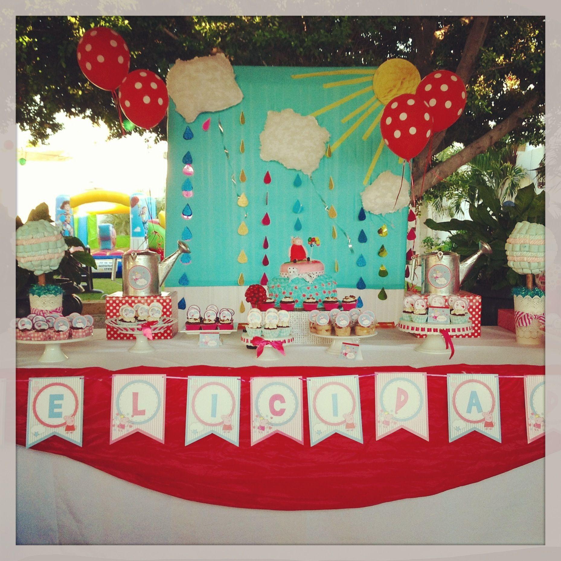 Peppa pig party cake table Cumple 3 Sofia Pinterest ...