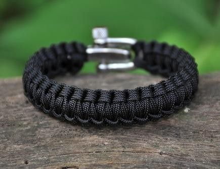 Survival Straps Its 16 Ft Of Paracord Rope Can Hold Up To 550