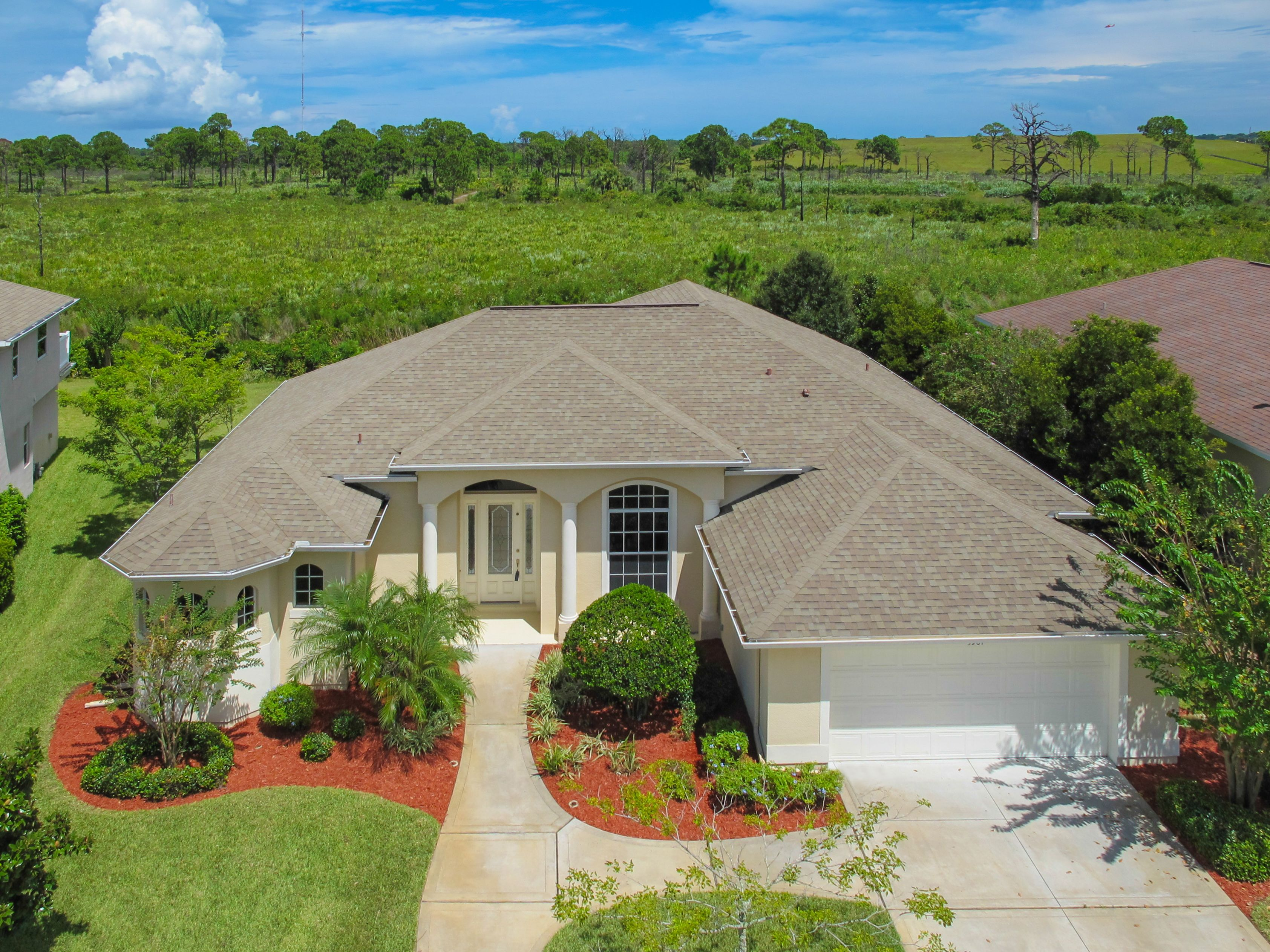Sold Custom Built Christopher Burton Home In Sought After Herons Landing This Model Perfect Move In Ready Open Beautiful Kitchens Beautiful Tile Sale House