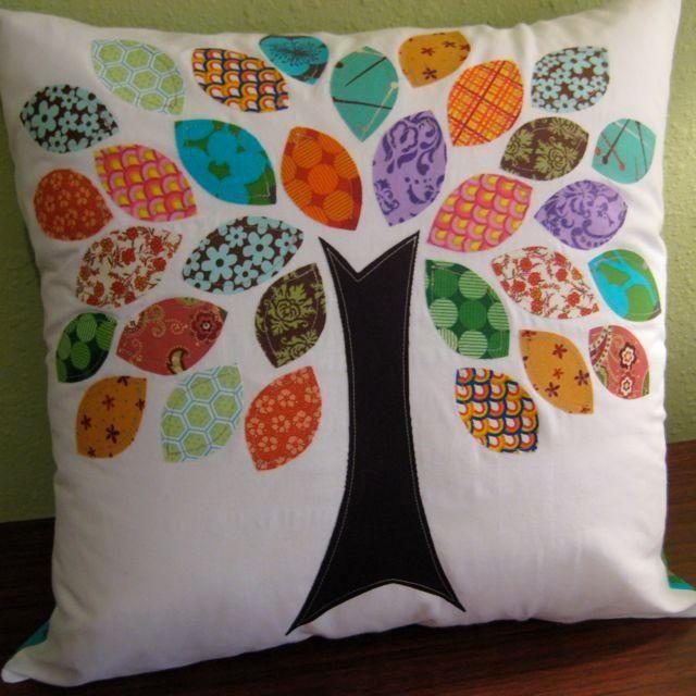 die besten 25 kissen selbst n hen ideen auf pinterest n hkissen stofffarben entw rfe und diy. Black Bedroom Furniture Sets. Home Design Ideas