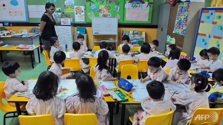 Introduce bilingualism to children at early age: Lee Kuan Yew - Channel NewsAsia