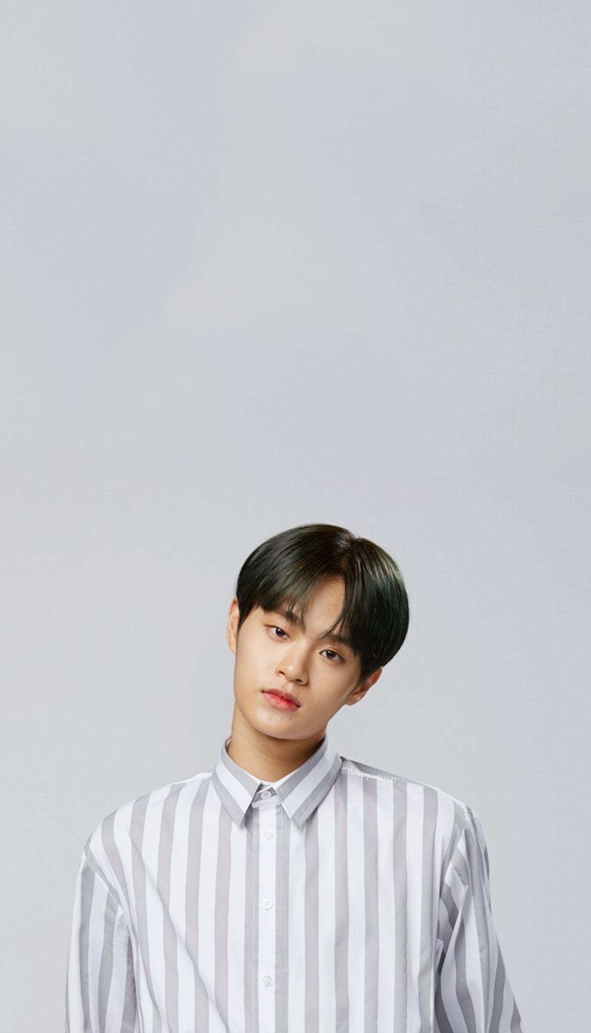 Wanna One Lee Daehwi X Gmarket Wallpaper Lee Daehwi Ong Seung Woo Jinyoung