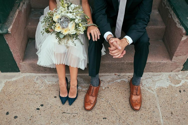 something blue pumps | fabmood.com #rooftopwedding #shortweddingdress #weddingdress #bluepumps #blueshoes #bride