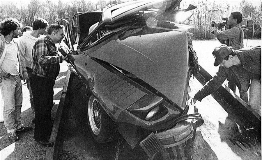 Pelle Lindbergh Red 930 Bw After Crash Wrecks Pinterest