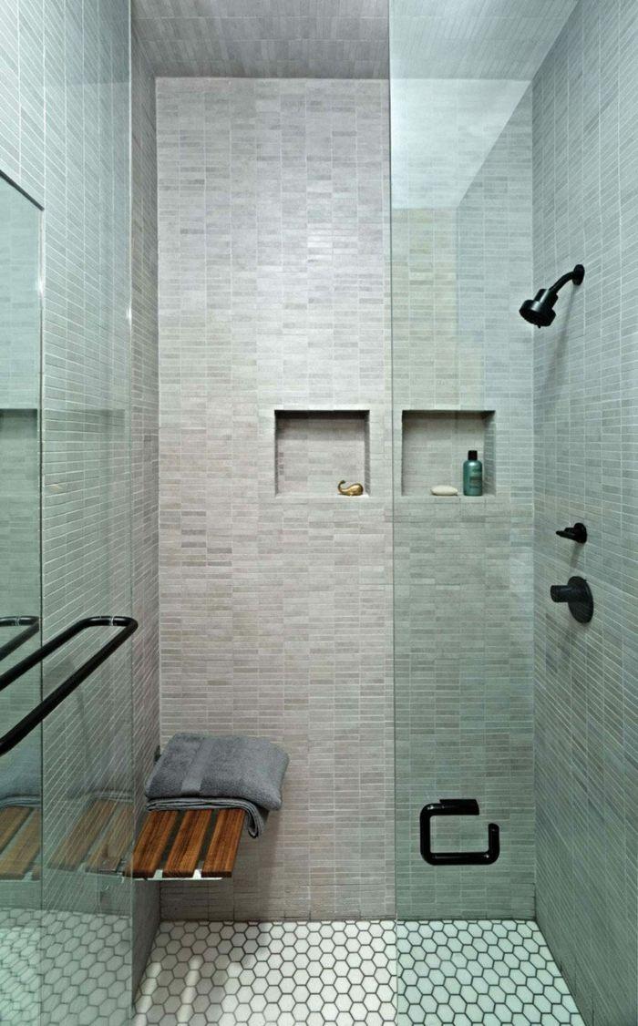 Duchas modernas ba o peque o ducha deobra con nichos en - Banco de bano ...