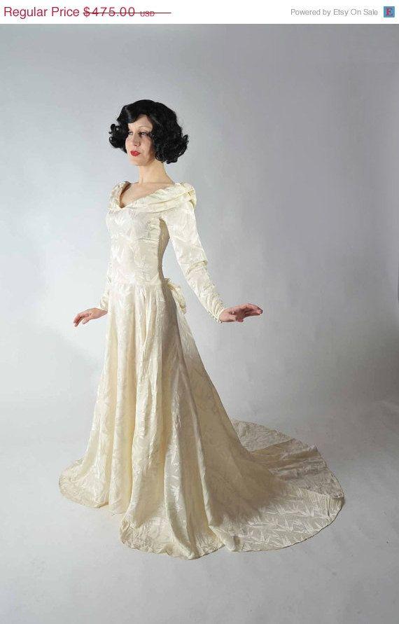VALENTINES SALE - Vintage 1930s Wedding Dress // Amazing Ivory Silk ...