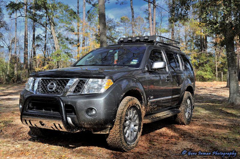 Nissan Pathfinder With Bull Bar And Safari Rack With