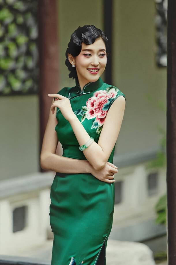 Qipao Makeup Qipao Hair Style In 2019 Dresses Clothes Fashion
