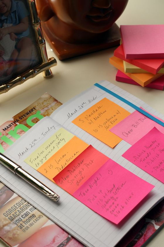 If you just can't live without your post-its ~ DIY Post-it Notes Organizational Calendar