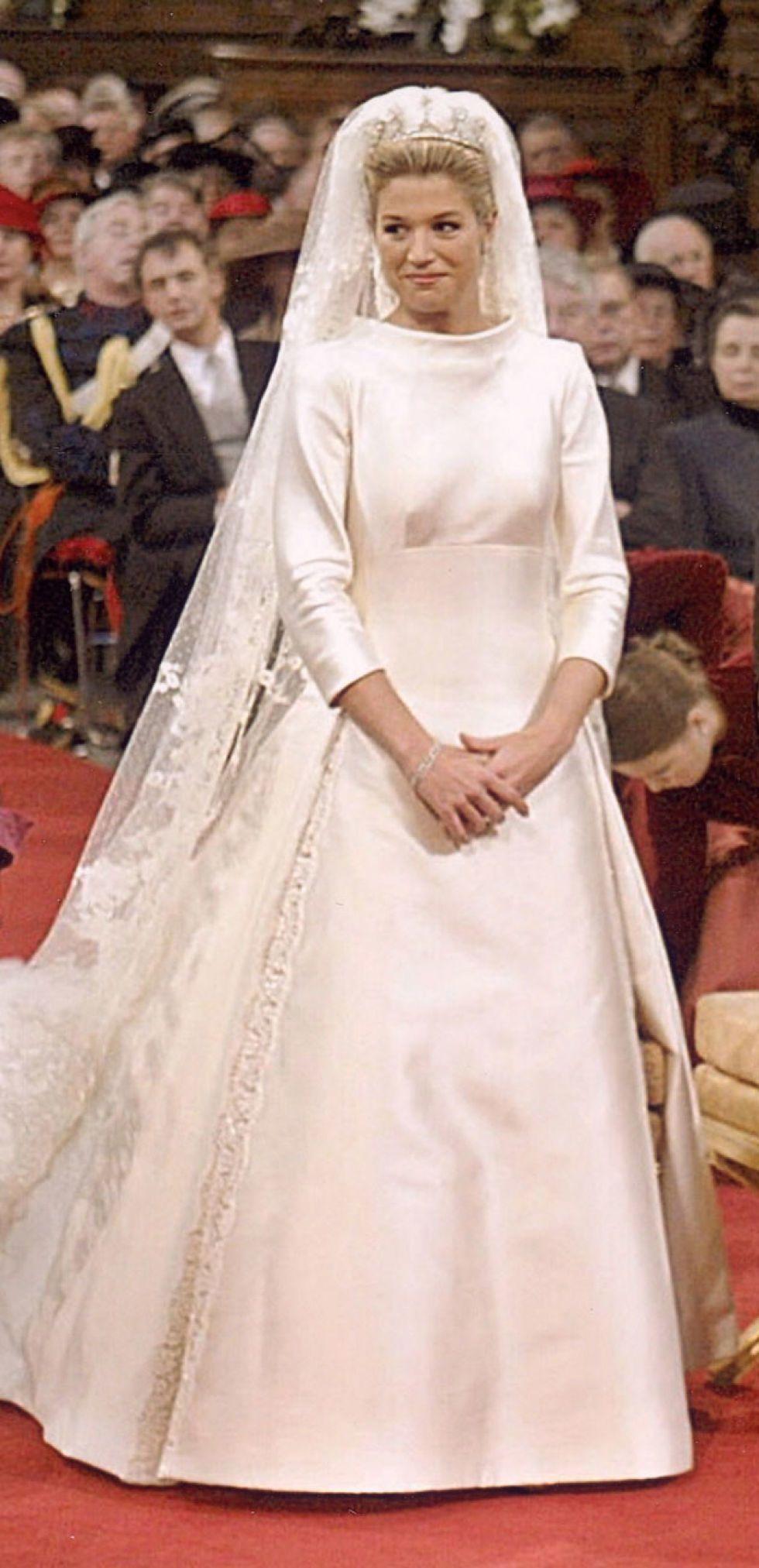Royal wedding dress  Su vestido de novia  DGeisi  Pinterest  Royal weddings and Royals