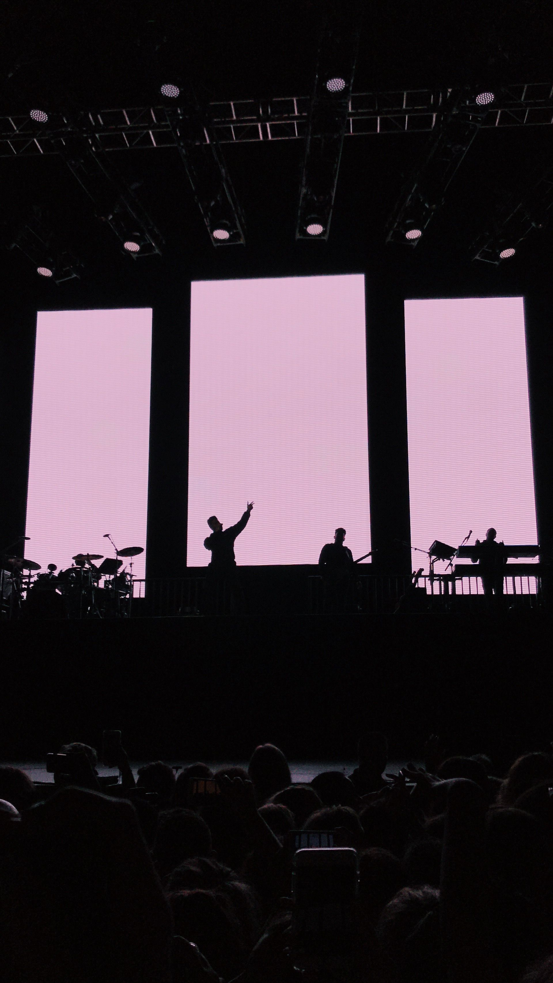 Pin By Armeyliana On Print The 1975 Tour The 1975 Wallpaper The 1975 Concert